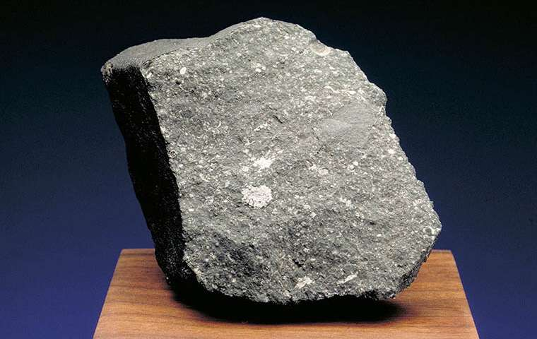 The meteorite older than the Sun