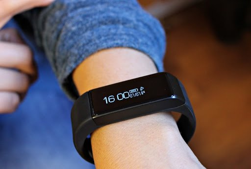 Smart bracelets now measure different coonditions of our metabolism.