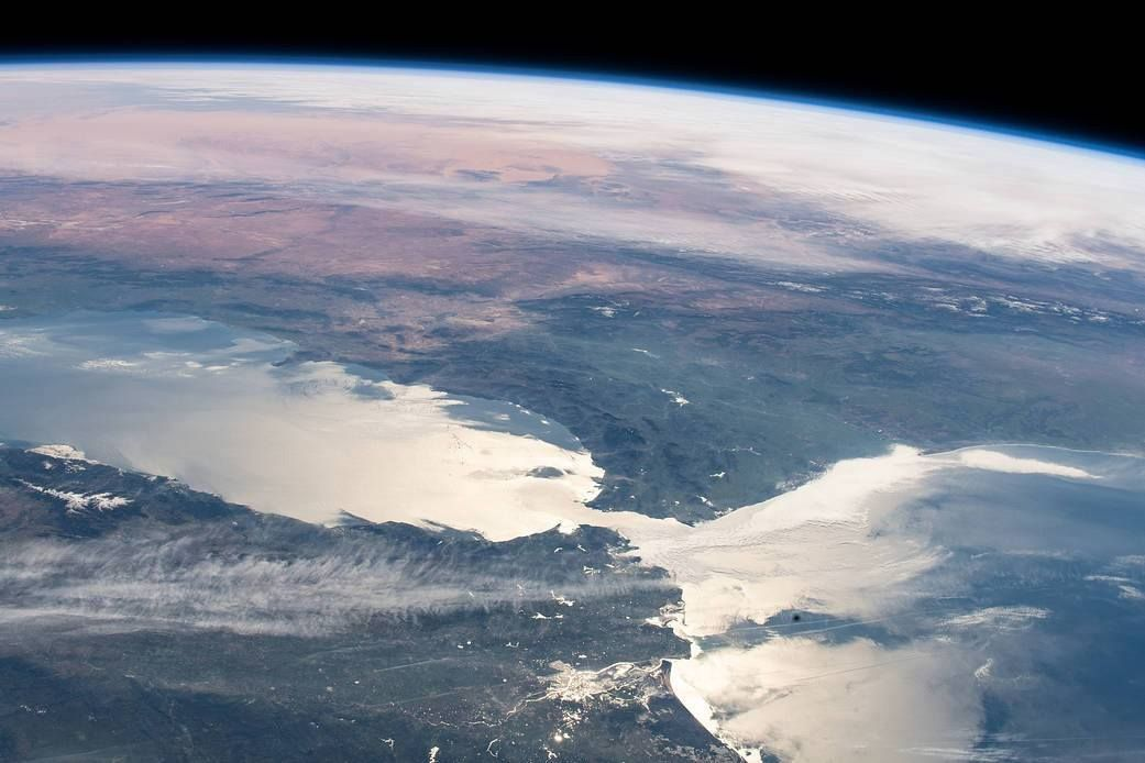 When the Mediterranean was dry, there was no connection to the Atlantic (here NASA photo of the Strait of Gibraltar)