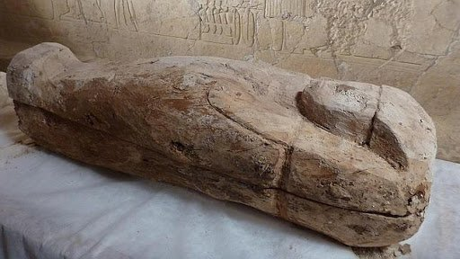 They found a woman's mummy with her trousseau