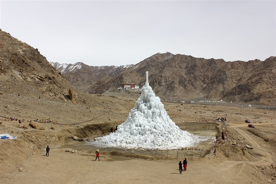 A great innovation for places without artificial water glaciers.