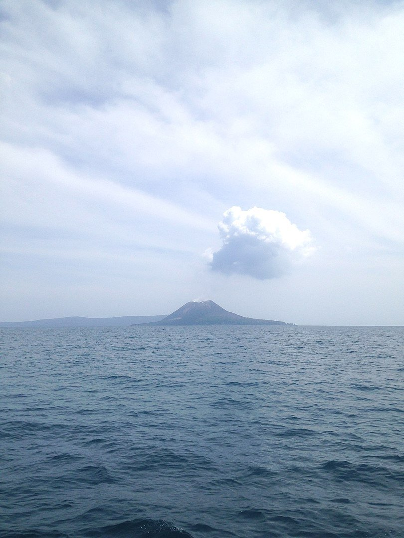 new outbreak of Anak Krakatoa