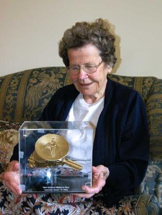 Venetia Burney died in 2009.