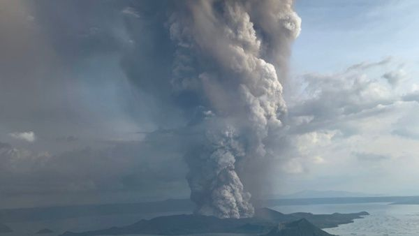 The Philippine volcano, which can change the climate, is at risk, and thousands of people have already been evacuated.