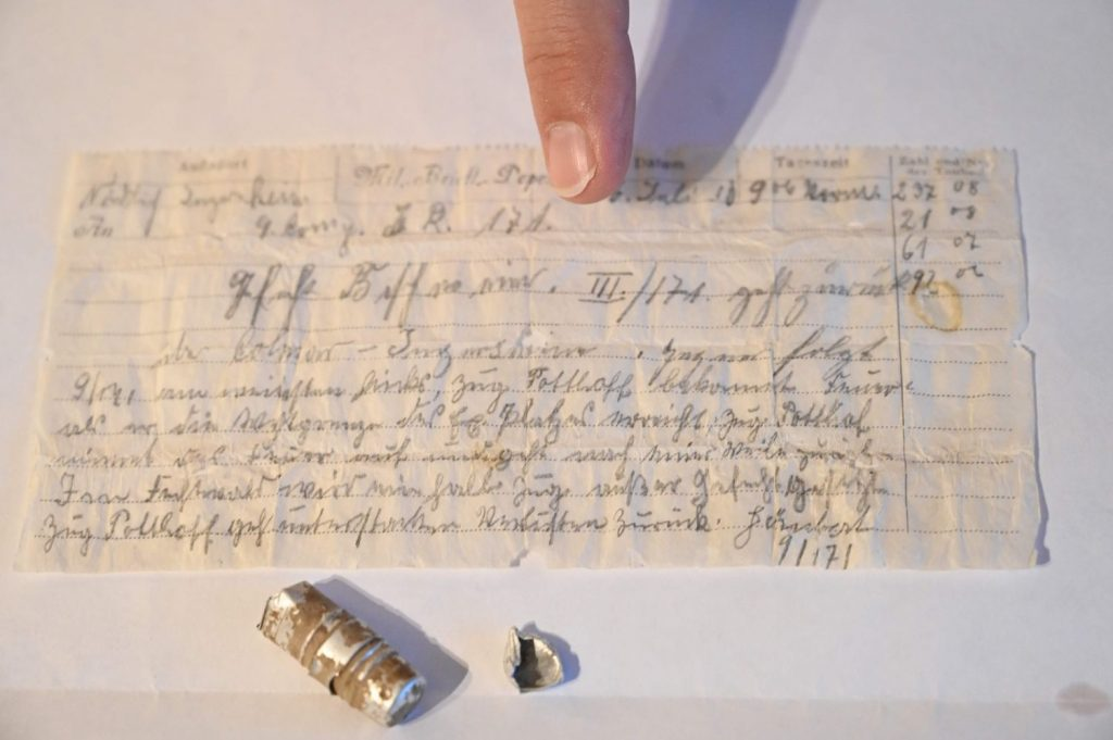 The news that a pigeon was lost during World War I in 1914 was found today.
