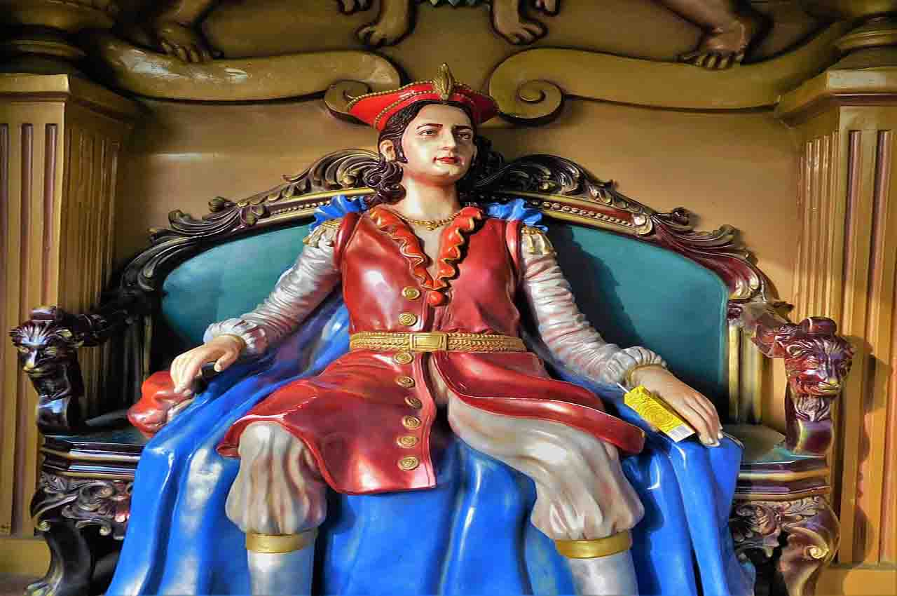 Follies of the monarchs of history