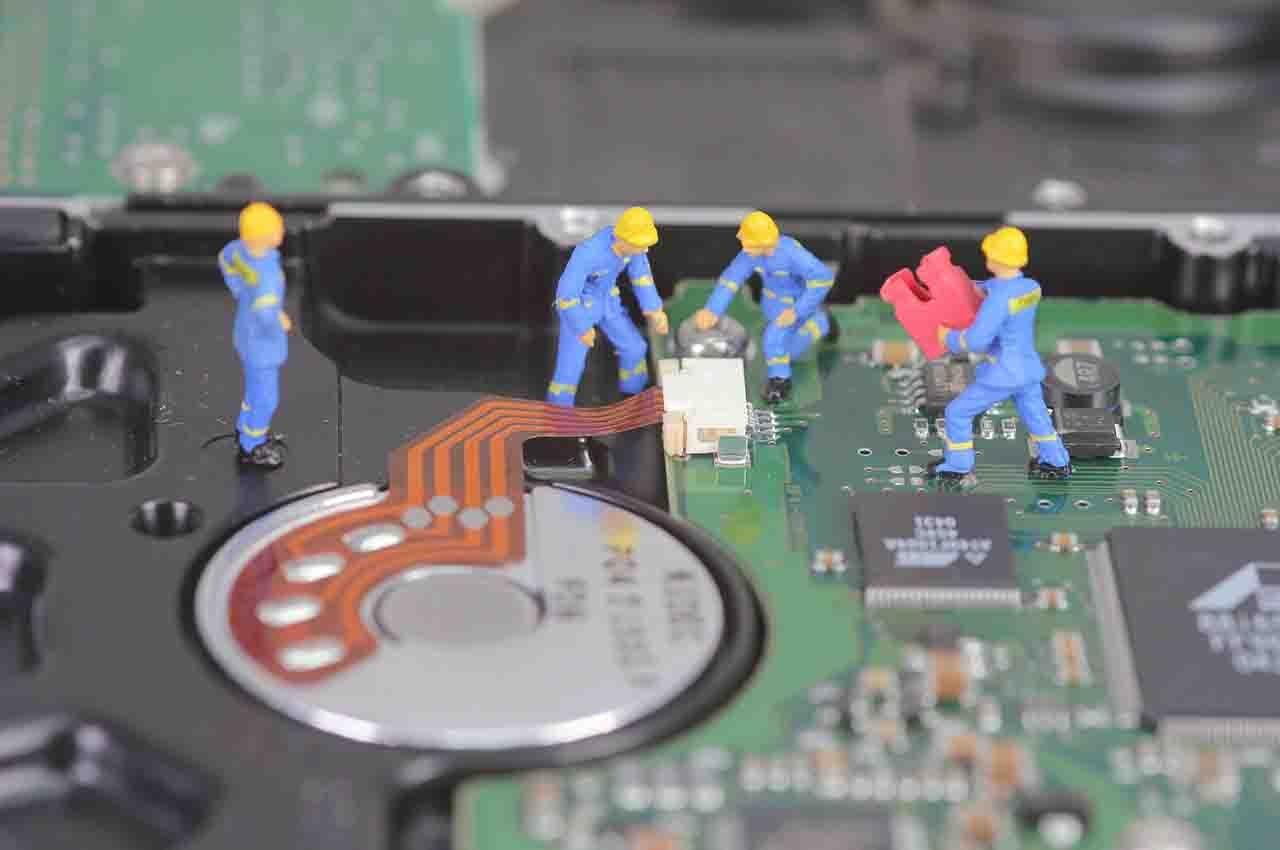 Tasks - hard drive or SSD hard drive