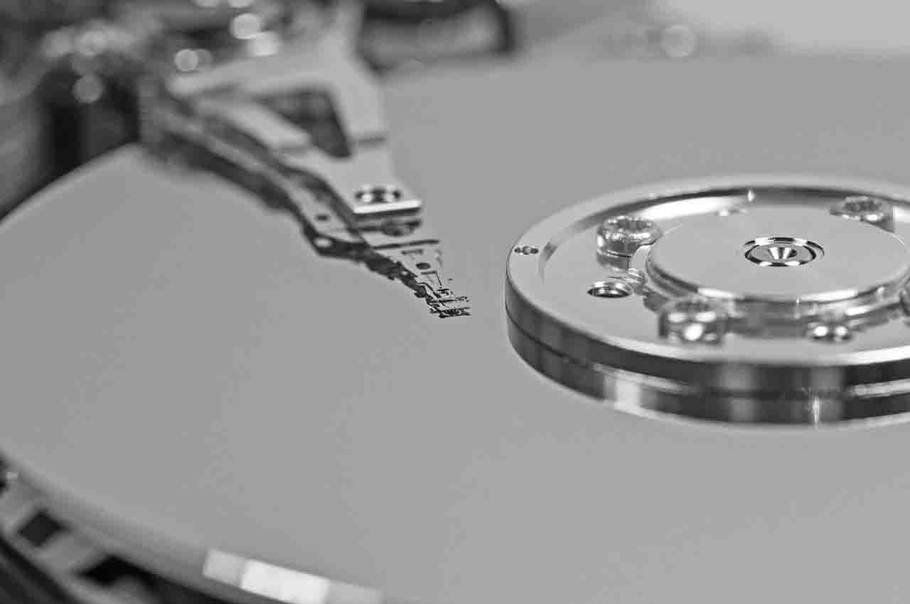 Hard disk HDD or SSD