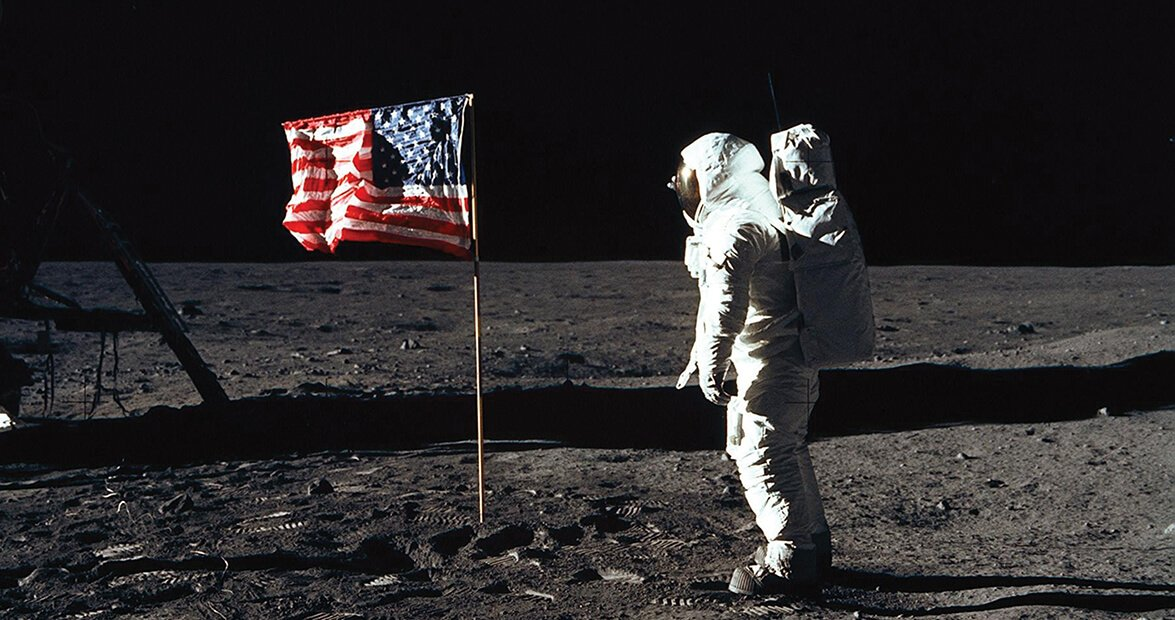 Only the USA had previously hoisted its flag. This picture is from 1969.