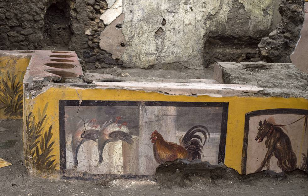 The grocery kiosk in Pompeii still has leftovers.  Does anyone want to reheat leftovers?