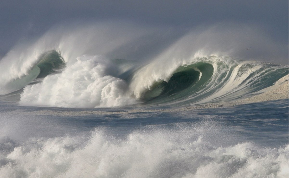 The tsunami that swept through the Mediterranean Sea 9,000 years ago covered about 4 kilometers.