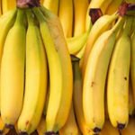 The banana, old food in the Mediterranean