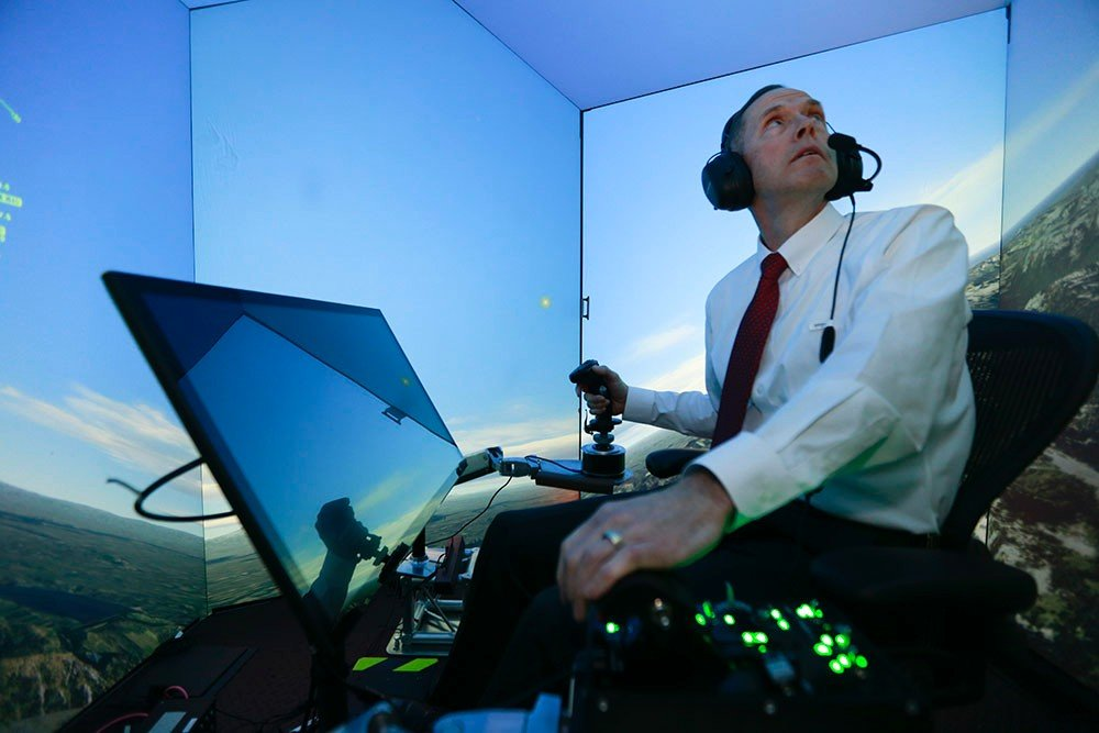 Various tests with artificial intelligence were carried out in simulated flights.