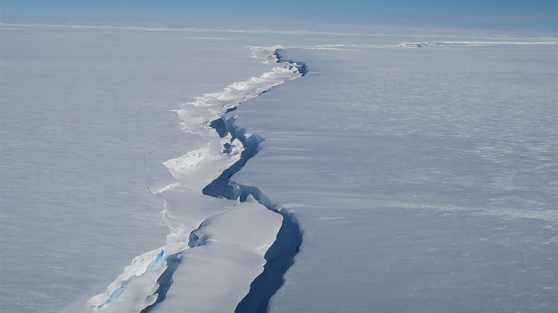 The huge iceberg detached from Antarctica created this huge rift.