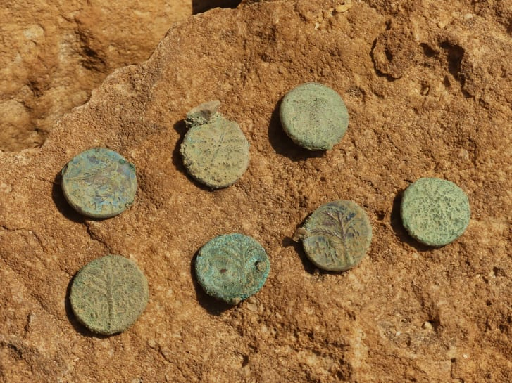 Coins with Christian inscriptions were also found.