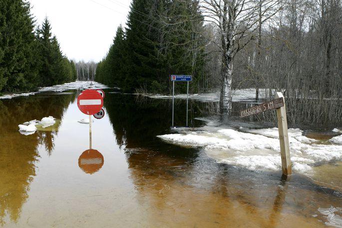 Floods radically change the landscape.