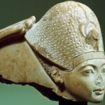 Egyptian statues without a nose