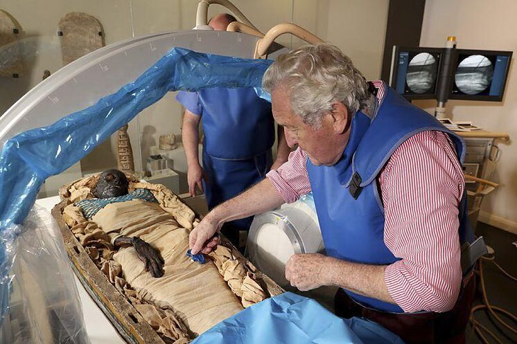 The mysterious thousand-year-old murder of the young Egyptian continues to bring surprises.