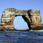 The collapse of the legendary Darwin Arch