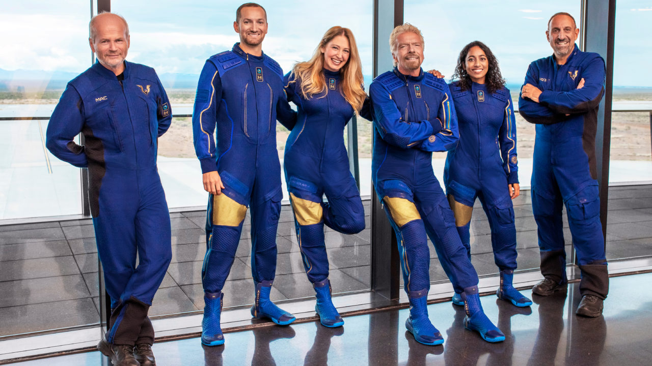 The millionaires' space race continues.  In the picture Richard Branson and his team.