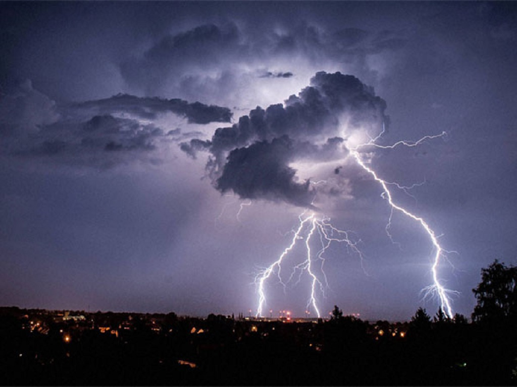 The lightning, which killed 16 people, struck a tourist attraction in India.