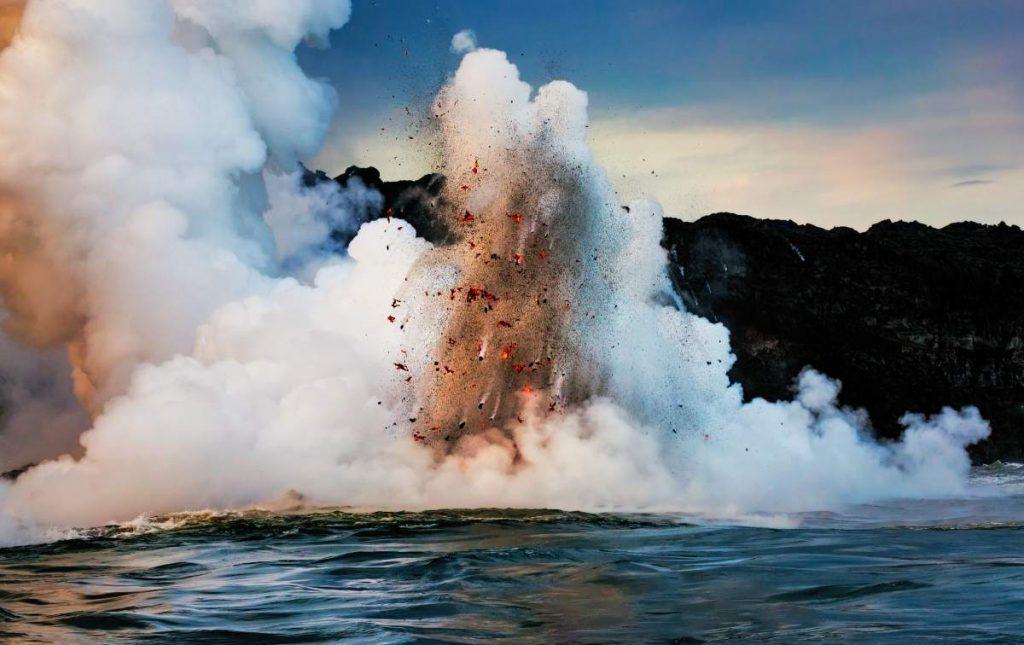 The risky encounter of lava and sea is very close on the island of La Palma.