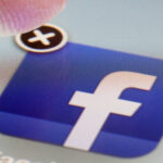 Other messaging applications in case Facebook crashes